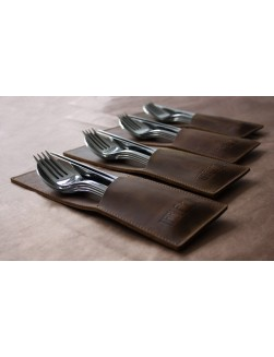 8 Table Noir Light Brown pouches